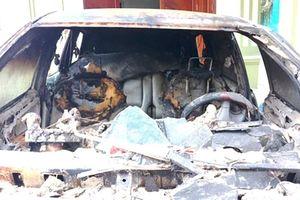 Người đốt ô tô nhà hàng xóm ra đầu thú
