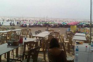 Một người chết, bốn người sặc nước tại bãi biển Cồn Vành