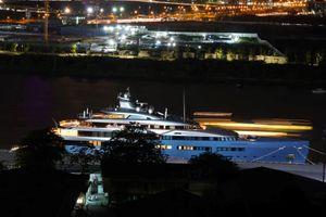 Siêu du thuyền 150 triệu USD cập bến Bạch Đằng 'âm thầm' lễ 30.4