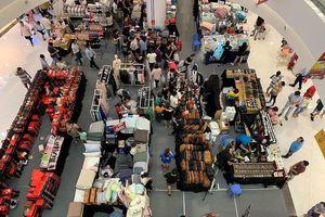 Ngày cuối kỳ nghỉ lễ, người dân TP.HCM 'trốn nóng' ở trung tâm thương mại