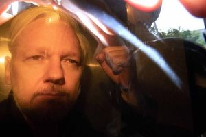 Nhà sáng lập WikiLeaks nhận án tù 'nhẹ nhàng' ở Anh