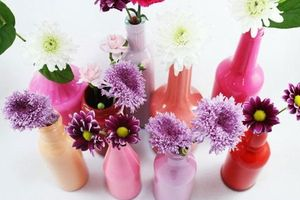 9 cách DIY hữu ích để tái chế chai lọ thủy tinh trong nhà bạn