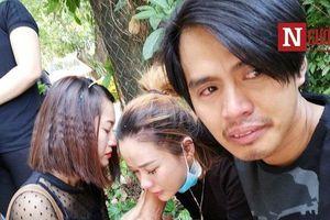 Gia đình cố Nghệ sĩ Lê Bình ngã quỵ khi thấy thi hài ông lần cuối