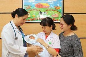 12 năm đằng đẵng với 4 lần mang thai đều không giữ được con, người phụ nữ đón nhận hạnh phúc bất ngờ