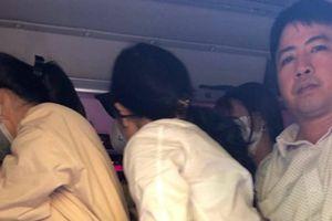 Hà Nội: Bắt xe khách 29 chỗ nhồi 73 khách trên đường Phạm Hùng