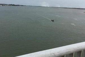 Thanh niên bỏ xe trên cầu nhảy xuống sông mất tích