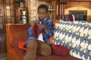 Cậu bé 11 tuổi ở Mỹ kiếm bộn tiền nhờ 'khởi nghiệp' bằng... đan len
