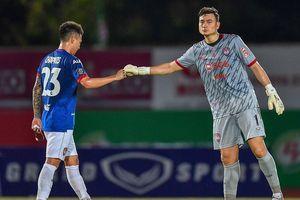 Đặng Văn Lâm lần đầu giữ sạch lưới sau 6 trận để thủng liên tiếp