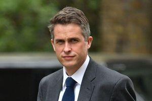 Bộ trưởng Quốc phòng Anh bị sa thải vì làm lộ bí mật về Huawei