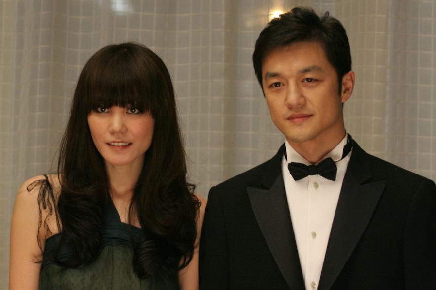 'Quách Tĩnh' Lý Á Bằng hẹn hò người mới sau 6 năm ly hôn Vương Phi?