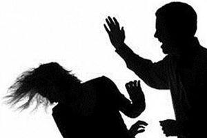 Đuổi đánh vợ hờ vì ghen, người đàn ông trung niên bị đâm tử vong