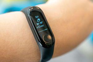Xiaomi Mi Band 4 lộ diện: đo điện tâm đồ giống Apple Watch 4