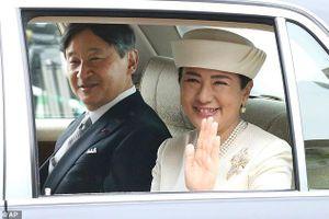 Cuộc sống làm dâu Hoàng gia áp lực trăm bề của vợ Nhật hoàng