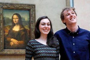Trải nghiệm thú vị của du khách đầu tiên ngủ qua đêm ở Bảo tàng Louvre