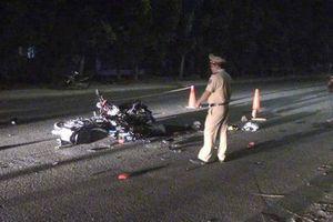 2 xe máy 'đấu đầu', 1 người tử vong tại chỗ, 1 người nguy kịch