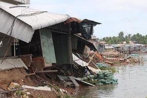 Thêm tiền tỷ khắc phục sạt lở bờ sông Ô Môn