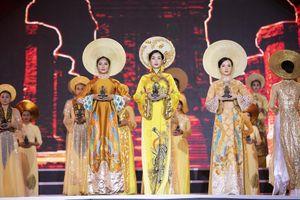 Hoa hậu Đỗ Mỹ Linh mê hoặc khán giả trong nghi thức dâng trầm
