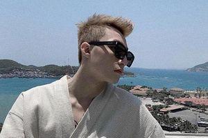Liên tục khoe ảnh đi du lịch, Sơn Tùng M-TP bị fan trách móc vì 'ham chơi không ra bài mới'
