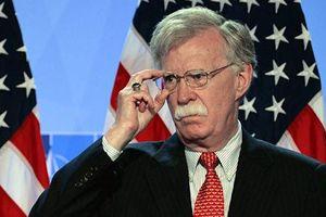 Washington Post: Ông Bolton hối thúc Tổng thống Trump can thiệp vào Venezuela