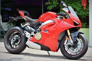 Chi tiết Ducati V4S của dân chơi miền Tây giá gần 1 tỷ
