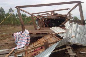 Gia Lai: Mưa lớn kèm theo lốc xoáy, gần 50 nhà dân bị sập và tốc mái