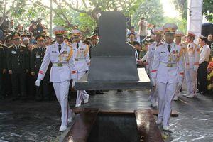 Đại tướng Lê Đức Anh đã an nghỉ bên các đồng đội