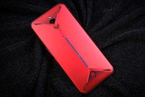 Smartphone gaming chip S855, RAM 12 GB, quay video 8K, giá 'mềm'