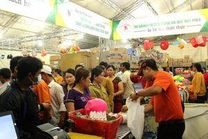 Siêu thị Tứ Sơn đưa hàng Việt về nông thôn tại huyện Châu Phú và Châu Thành
