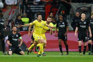 Bán kết Europa League: Chelsea cầm chân Franfurt, Arsenal đại thắng Valencia
