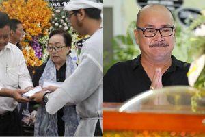 Con trai Lê Bình trao tặng 100 triệu, Hoàng Sơn òa khóc bên linh cữu
