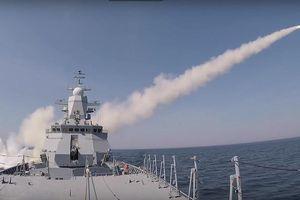 Chưa đầy 3 phút, tên lửa trên chiến hạm Nga 'hạ gục' tàu chở hàng ở biển Baltic