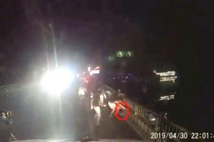 Hà Nam: Điều tra vụ tài xế xe container bị nhóm thanh niên hành hung