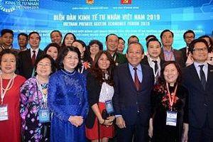 Doanh nhân Trần Thị Bích Thủy tham dự Diễn đàn Kinh tế tư nhân Việt Nam năm 2019