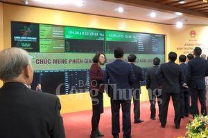 Thanh khoản thị trường cổ phiếu niêm yết tại HNX giảm mạnh