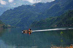 Nơi con sông Đà chảy vào đất Việt thuộc tỉnh nào?