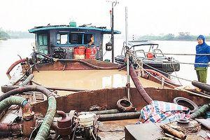Ngăn chặn tình trạng khai thác cát trái phép trên sông