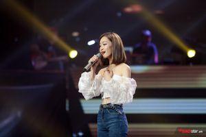 Juky San: 'Cô gái thả thính quốc dân' khiến Tuấn Hưng CHẶN Tuấn Ngọc tại The Voice 2019