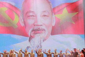 'Tuổi trẻ Việt Nam nhớ lời Di chúc theo chân Bác'
