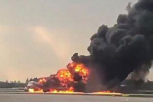 Nga: Máy bay bốc cháy, ít nhất 41 người thiệt mạng
