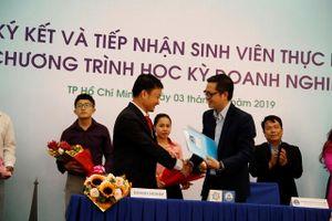 Trường ĐH Văn Hiến đẩy mạnh học kỳ Doanh nghiệp cho sinh viên