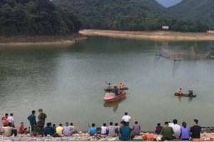 Nghệ An: Rủ nhau đi tắm đập, một nam sinh lớp 12 đuối nước tử vong