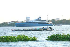 Siêu du thuyền 150 triệu USD đến Cần Thơ, dập dềnh cùng lục bình trên sông Hậu