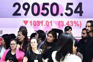 Chứng khoán lao dốc sau khi ông Trump dọa tăng thuế lên hàng hóa Trung Quốc