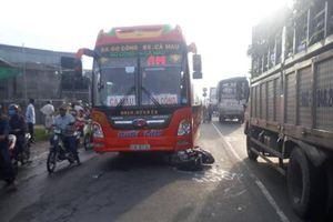Ô tô khách va chạm xe máy, một học sinh lớp 2 tử vong