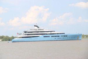 Siêu du thuyền Aviva đưa ông chủ Tottenham Hotspur đến Cần Thơ