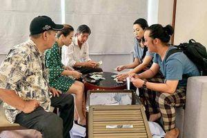 Gia đình nghệ sĩ Lê Bình dùng hơn 300 triệu tiền phúng điếu giúp bệnh nhân nghèo