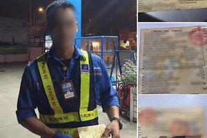 Tài xế quên ví tiền, để lại giấy đăng kiểm ô tô sắp hết hạn và nợ 300.000 đồng tiền xăng khiến anh nhân viên ngóng đợi từng ngày