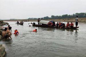 Thanh Hóa: Rủ nhau đi tắm sông, 4 học sinh tử vong thương tâm