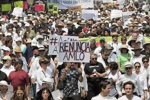 Hàng ngàn người dân Mexico biểu tình đòi Tổng thống từ chức
