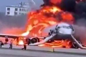 Những hình ảnh rợn người vụ tai nạn máy bay Superjet ở Moscow